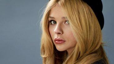 Chloe Moretz as Selene